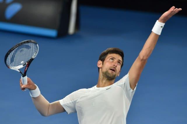 Novak Djokovic au service